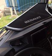Dashboardtafel-RENAULT-T-lang-met-een-plank